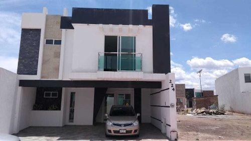 Lombardia Residencial, Vendo Bonita Casa Nueva