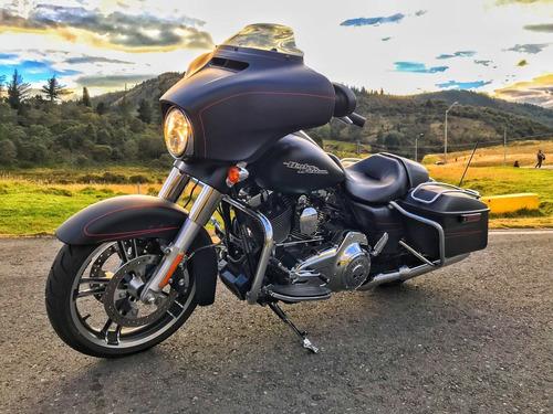 Harley Davidson Modelo Street Glide Special