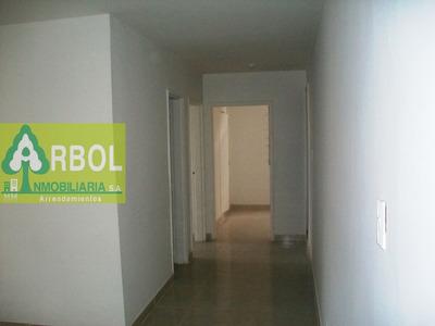 Dos Apartamentos Contiguos En Un Solo Negocio