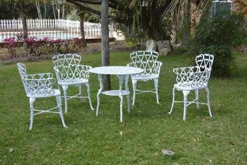 Conjunto Viena 4 Cadeiras 1 Mesa Para Jardim