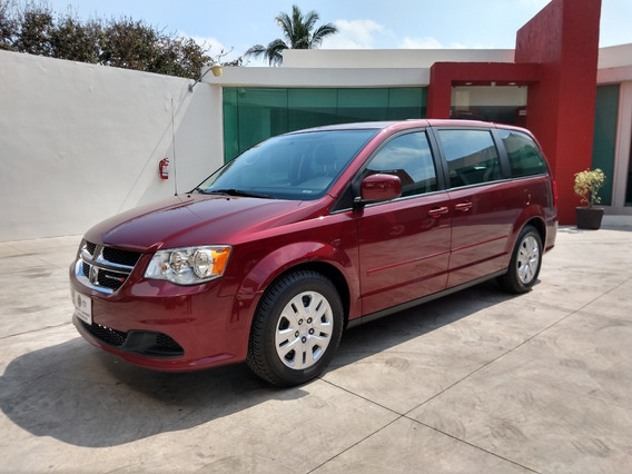 Dodge Grand Caravan 3.7 Se At 2017 Rojo Granate