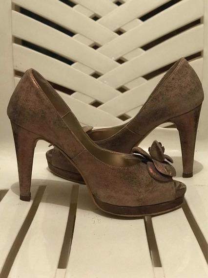 Zapatos Mary & Joe De Cuero Dorado Opaco N*37, Como Nuevos