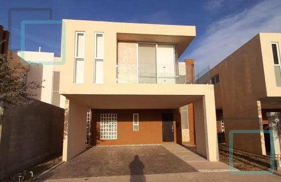 Casa En Venta Fraccionamiento Dream Lagoons Zona Apodaca