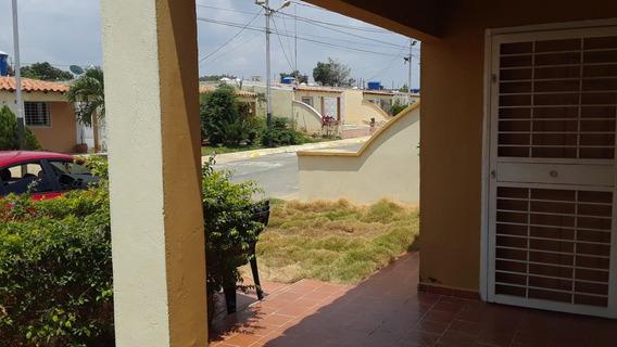 Casa En Alquiler La Piedad Cabudare 20-17824 Jcg