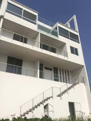 En Venta Casa Con Hermosa Vista Panorámica En Bugambilias