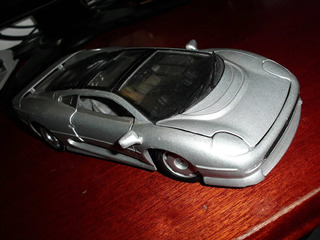 Jaguar Xc220 - Miniatura Da Maisto-excelente Estado