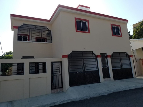 Vendo Casa De Dos Niveles En La Urbanización Yulisa