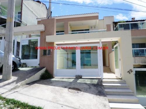 Caonze/n. Iguaçu. Casa Triplex- 2 Suítes (1 C/sacada), 3 Banheiros, Sala, Cozinha Planejada E Garagem. - Ca00417 - 32690708