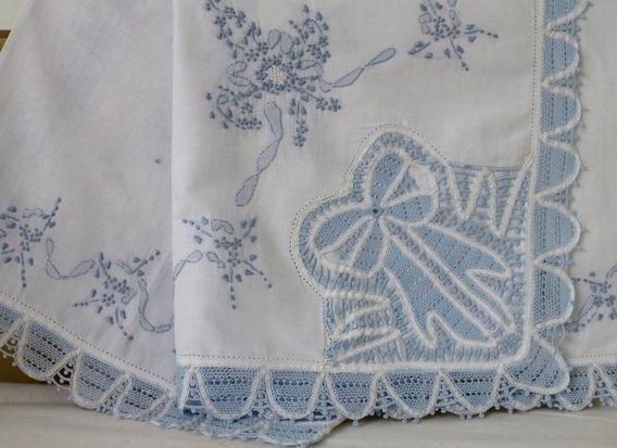 Manta Renda Renascença Branca Azul Bebê Xique Xique Brasil