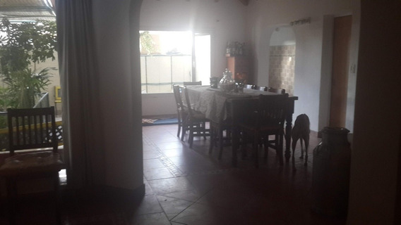 Casa Exclusiva En Barrio Residencial Santa Rita De Trelew Ch