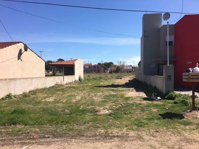 Lote En Costa Chica Sobre Calle 3, Entre Av. 54 Y Peatonal
