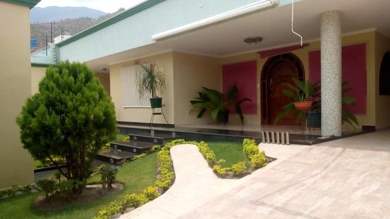Casa En Venta Urb El Castaño Maracay Zona Norte 04128849102