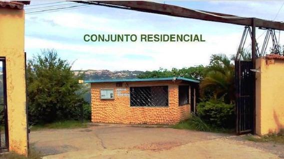 Casa Townhouse En Venta 3 Habitaciones 2 Baños, Caicaguana