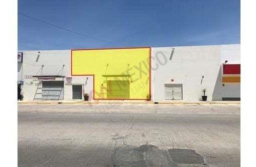 Local Comercial En Renta En Soledad De Graciano Sánchez, Plaza Santa Clara, Oficina, Servicios, Productos.