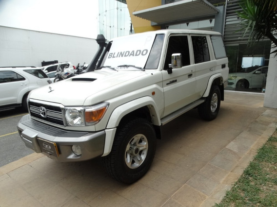 Toyota Land Cruiser Carevaca Lx V8 Blindada