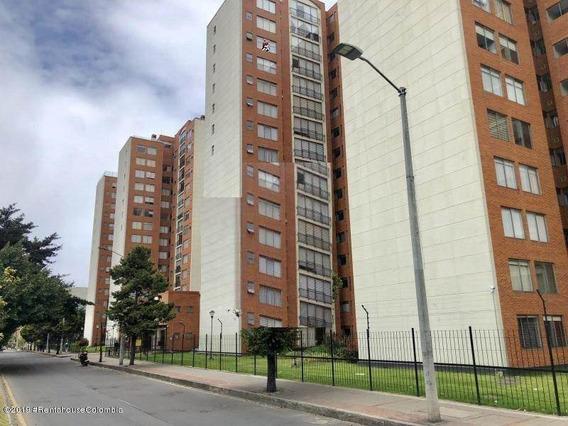 Apartamento En Venta En Mazuren Mls19-358