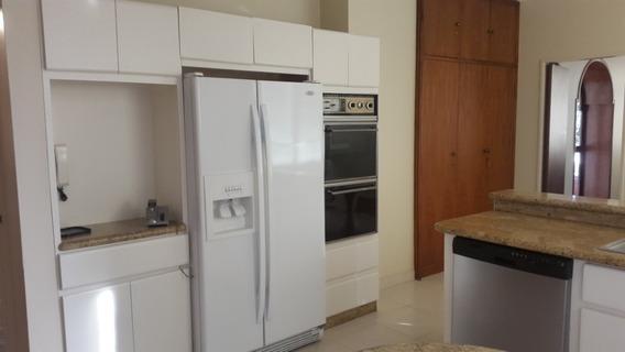 Apartamento Con Sus 3 Habitaciones