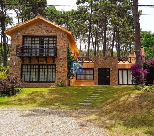Casa En Alquiler, Rincón Del Indio, Punta Del Este- Ref: 978