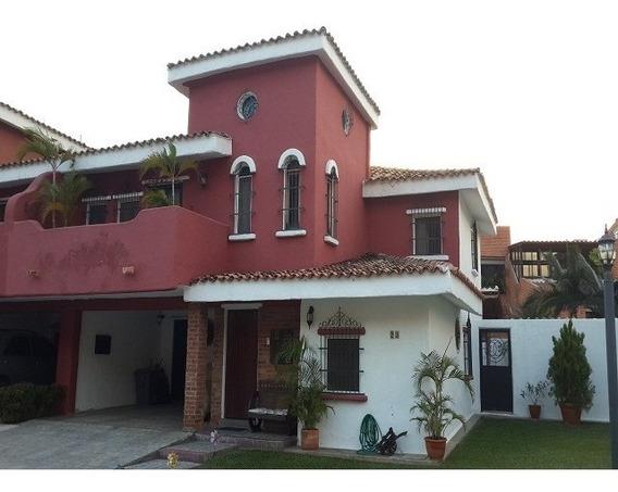 Vendo Excelente Town House Sector Piedra Pintada Mañongo
