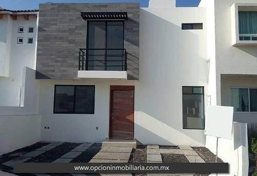 Se Vende Hermosa Casa En El Mirador, Cuenta Con 4 Recámaras,