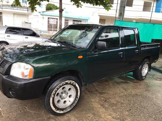 Nissan Frontier 2.4l Mt 2400c , Doble Cabina, Verde Oscuro.