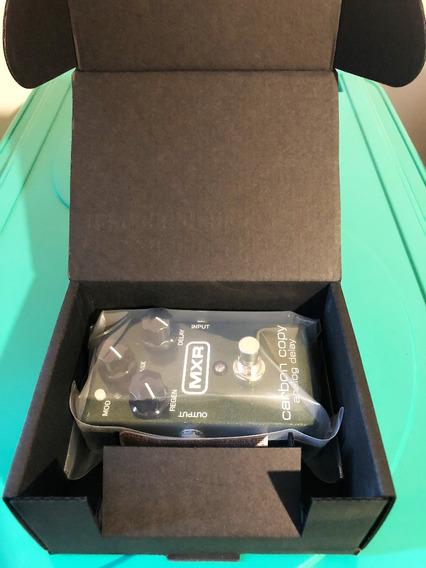 Pedal Mxr Carbon Copy Analog Delay Lacrado Na Caixa