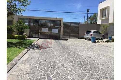 Casa En Venta,. Ubicada En La Colonia Nuevo México Calle Cerrada Atotonilco 555 Coto Privado A 5 Minutos Del Tec. De Monterrey