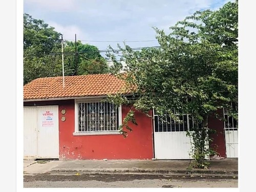 Casa Uso De Suelo En Venta Agustin Acosta Lagunes