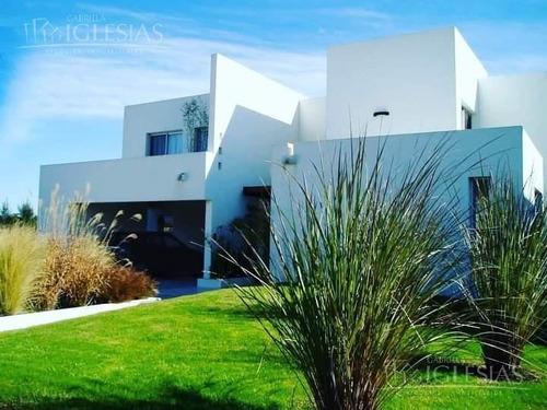 Espectacular Casa Amoblada En Castores