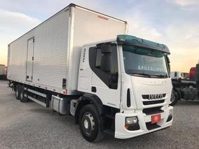 Iveco Tector 240e28 (2016/2016) + Baú Fachinni 11mts