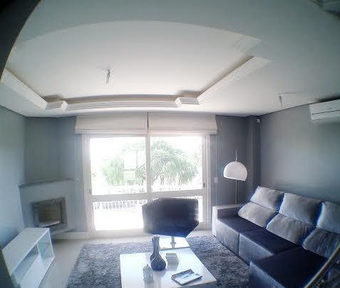 Casa De 3 Dormitórios - 4374