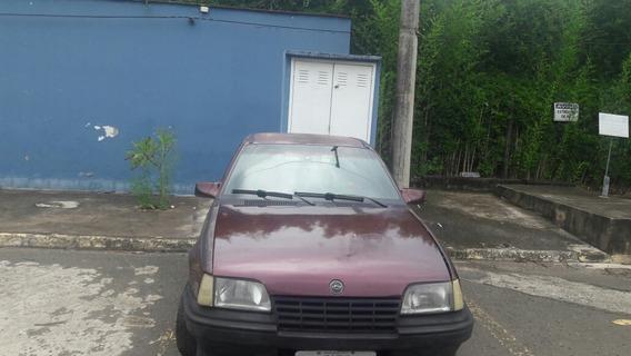 Chevrolet Kadett Sedã