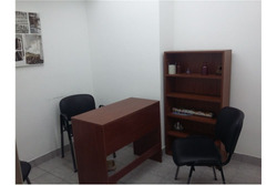 Oficina En Galería. Ideal Para Profesionales.