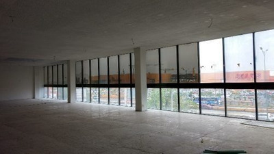 Oficina De 1,350 Metros Frente A Plaza Satélite