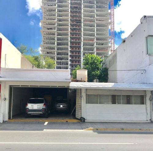 Casa Con Uso De Suelo En Centro, Monterrey