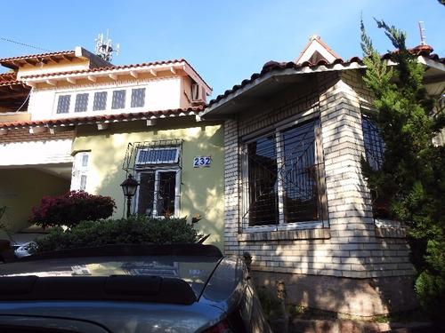 Casa Em Nonoai Com 3 Dormitórios - Lu266371