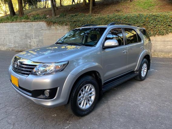 Toyota Fortuner Urbana 4x2