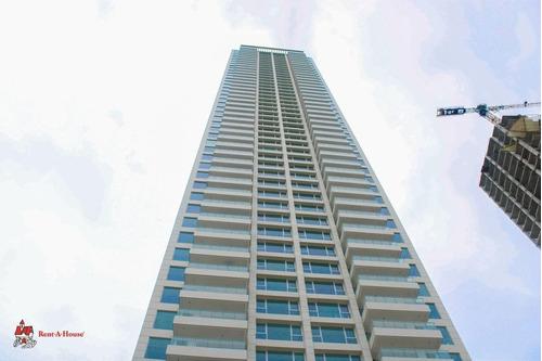 Venta De Apartamento De 306 M2 En Ph Solana 21-6521gg