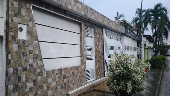 Casa Tipo Town House En Turmero Urb La Fuente 19-20426 Mv