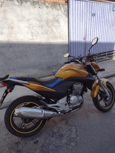 Imagem 1 de 4 de Honda 2011