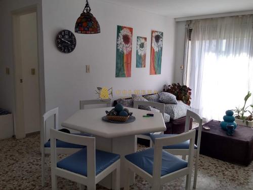 Apartamento En Punta Del Este, Península- Ref: 2445
