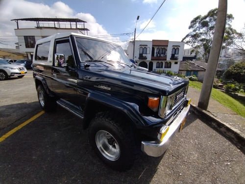 Toyota Land Cruiser 1985 4.0 Fj73