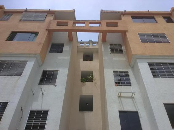 Apartamento En Venta Paraparal Código 20-20257 Polo