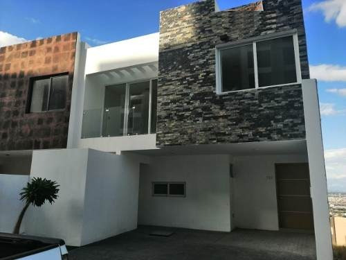 Residencia En Venta En Residencial Campo Azul, Slp
