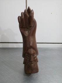 Escultura De Madeira