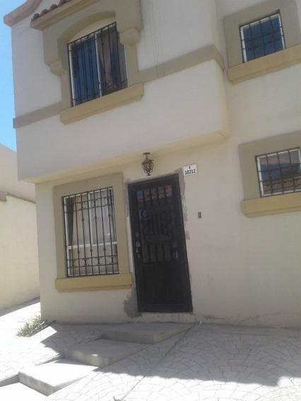 Se Vende Casa Con Terreno Excedente En Santa Fe 3era Sección, Privada Denis Tijuana Baja California.