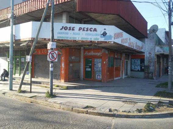 Local Cruce Varela 101 Y 7 Berazategui P/baja Y Entrepiso