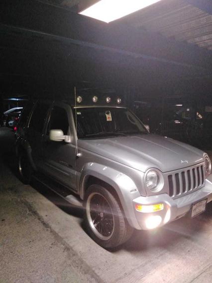 Jeep Liberty Limited 4x4 Plata 5 Puertas