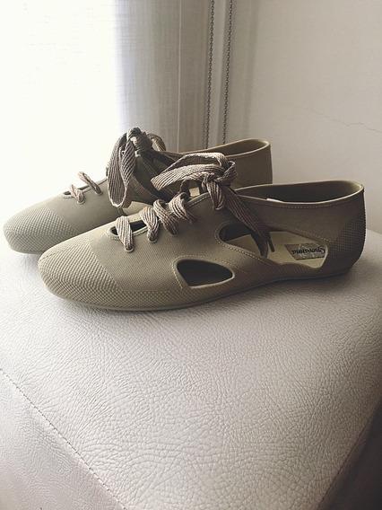 Zapatos De Goma . Numero 37/38 . Acordonados