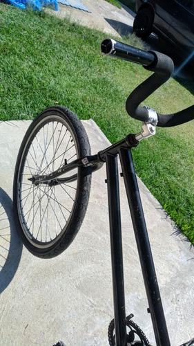 Imagem 1 de 6 de Bicicleta